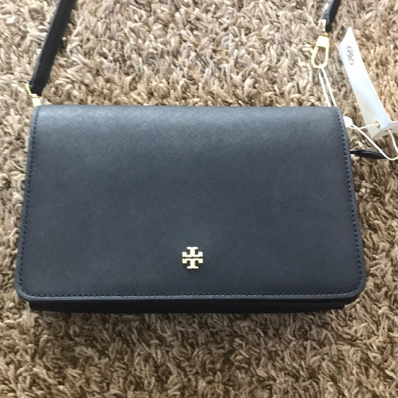 6db4a337f08 Tory Burch Emerson combo crossbody. M 5b3e21716a0bb747fd0d1e98